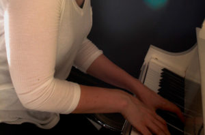 avoid-piano-injury-posture